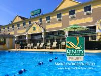 Quality Inn  Suites Maine Evergreen Hotel